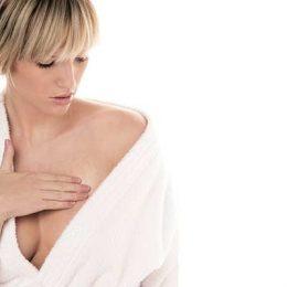 К чему чешется левая грудь? Примета и что она означает